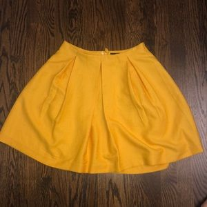 H&M yellow skit